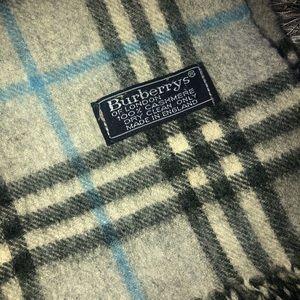 Burberrys cashmere scarf